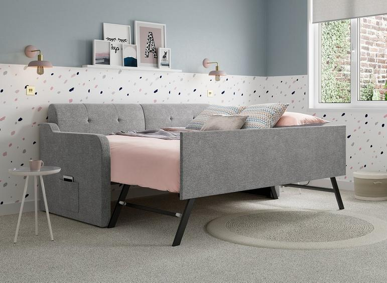 Elwood Daybed with USB charging